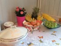 Früchte und Eier vom Buffet