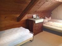 Einige Gästezimmer können mit einem dritten Bett ausgestattet werden für Familien.
